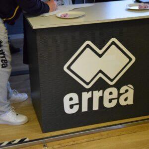 Errea (1)