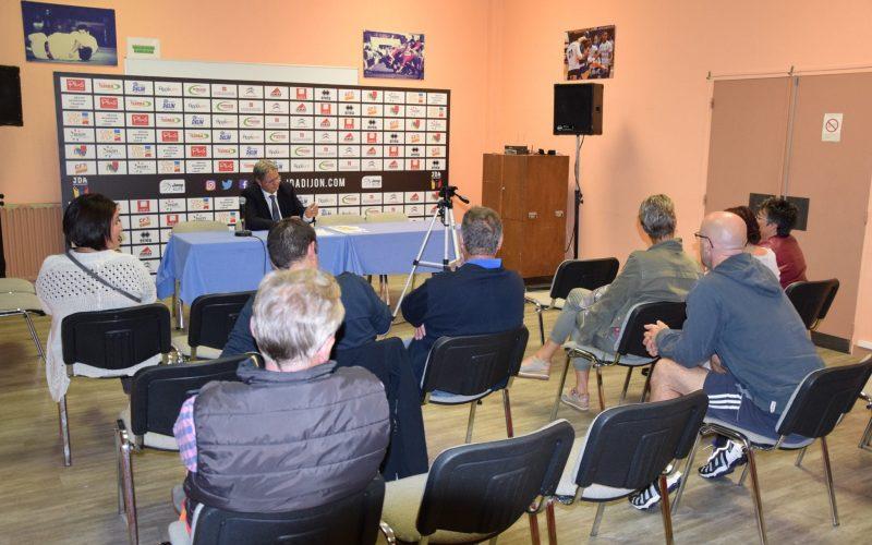 Jean-Louis Borg au contact des Présidents des clubs du département